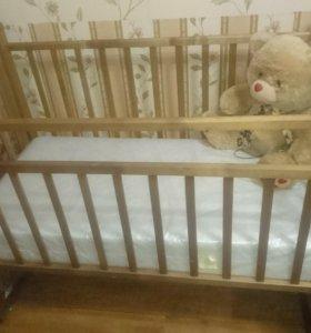 Детская кроватка с матрасом. Торг