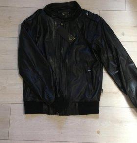 Куртка кожаная мужская just cavalli новая 48р