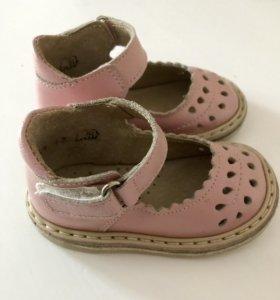 Ретро-сандалии из натуральной кожи