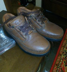 Модные фирменные туфли Clarks