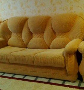 Мягкая мебель диван и два кресла