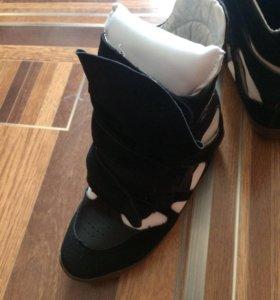 Зимние очень стильные кроссовки!