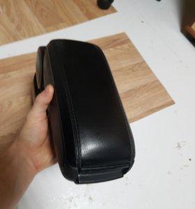 Подлокотник для рено дастер