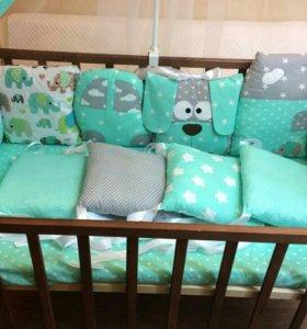 Комплект в детскую кроватку. В наличии.