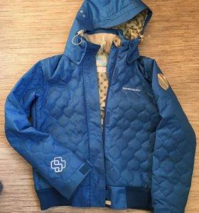 Сноубордическая куртка бомбер