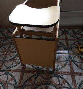 Стол-стул для кормления и вещи пакетом