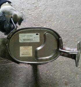 Глушитель на Митсубиши аутлендер или Пежо 4007