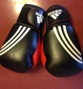Боксерские перчатки adidas,12oz,б/у