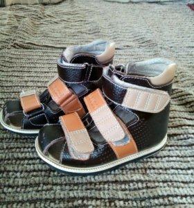 Ортопедические сандали Ortuzzi