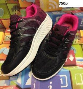 новые кроссовки р 37-40