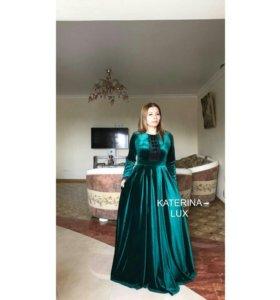 Платье из бархатного велюра