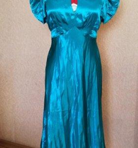 Платье новое,атласное.44👗