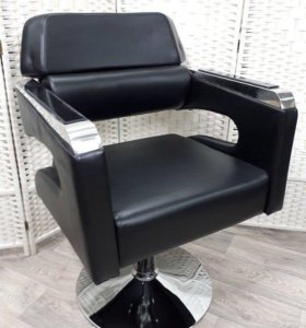 парикмахерское кресло с подставкой