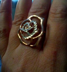 Кольцо серебряное 925 пробы, покрыто золотом.