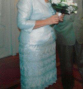 Кружевное, вшитые пайетки, платье (футляр) +жакет
