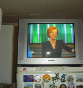 телевизор 51 см диагональ !