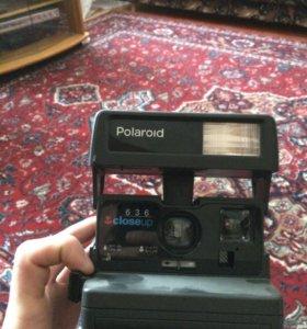 Ретро фотоаппарат мгновенной печати