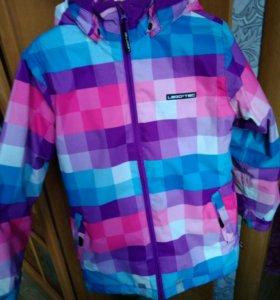 Куртка зимняя.Для девочки 10-12 лет