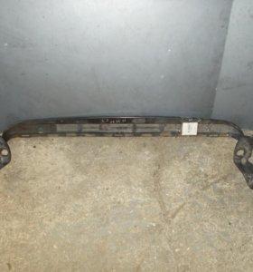 Кронштейн радиатора Вольво С30 С40 В50 C30 S40 V50