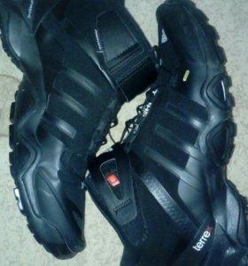 Adidas зима, осень. Ботинки, кроссовки.