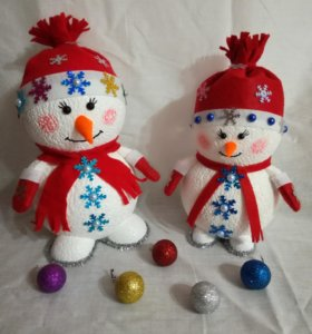 Снеговики)))