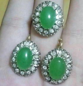 Золотые серьги и кольцо с бриллиантами