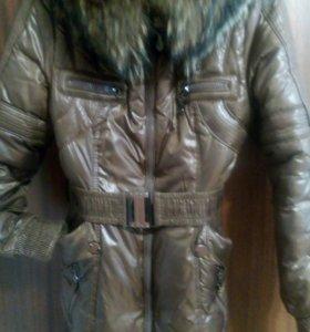 Куртка зимняя р L с капюшоном мех натуральный