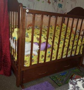 Продам детскую кроватку-маятник с ящиком+матрац