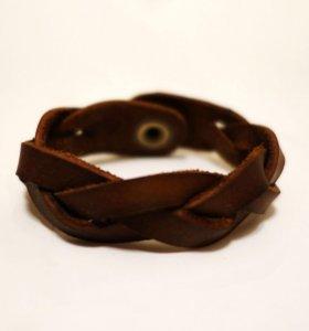 Плетёный кожаный браслет