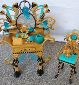 Monster high столик кукла Клео де Нил