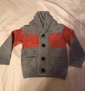 Пуловер вязанный