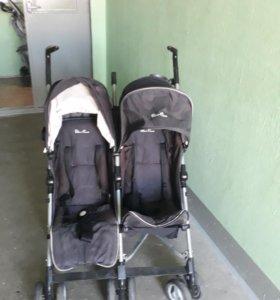 Прогулочная коляска для двойни.