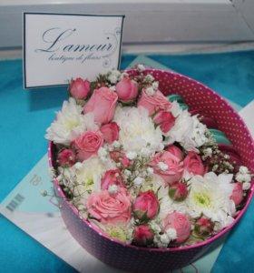 Мамам цветочные композиции в подарочной упаковке.