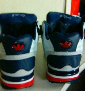 Новые зимние кроссовки.