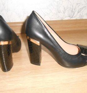 новейшие туфельки для минеатюрной девушки