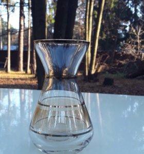 Старинная вазочка. Медовое стекло Богемия