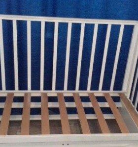 Кровать и комод детский