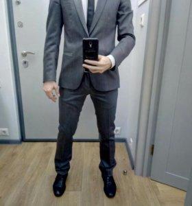 Мужской костюм Zara (100%  шерсть)