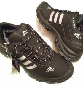 Зимние кроссовки Adidas. натуральный нубук,мех
