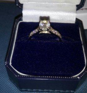 Золотое кольцо с бриллиантами 1,0 карат