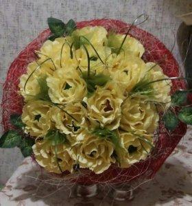 Розы с конфетками.