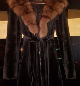 Шуба норковая с капюшоном из соболя 40-42р.