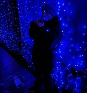 Синяя гирлянда занавес