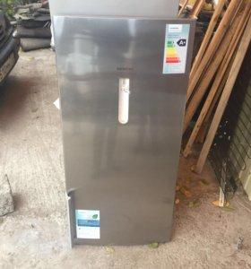 Двери от холодильника Simens KG39EAI20R