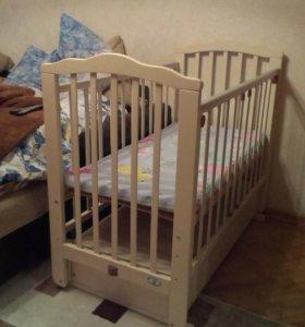 Кроватка детская с балдахином и бортиками