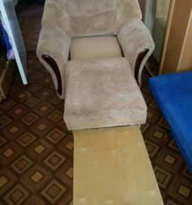 Прадаётся кресло-кровать,в хорошем состоянии