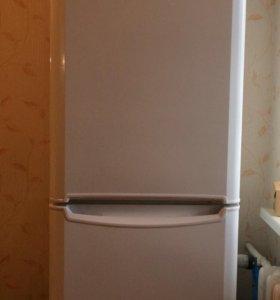 Холодильник INDESIT, двухкамерный, двухмоторный
