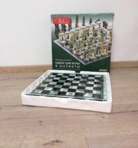 Подарочный набор шахматы(рюмки)