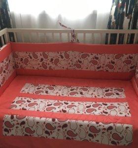Набор в кроватку: бортик, одеяло, простынь