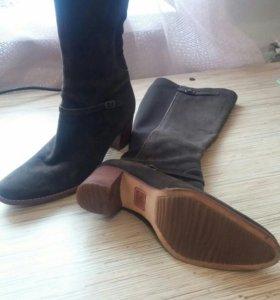 Новые замшевые сапоги коричневые